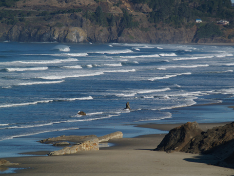 Waves along the Pacific northwest coast