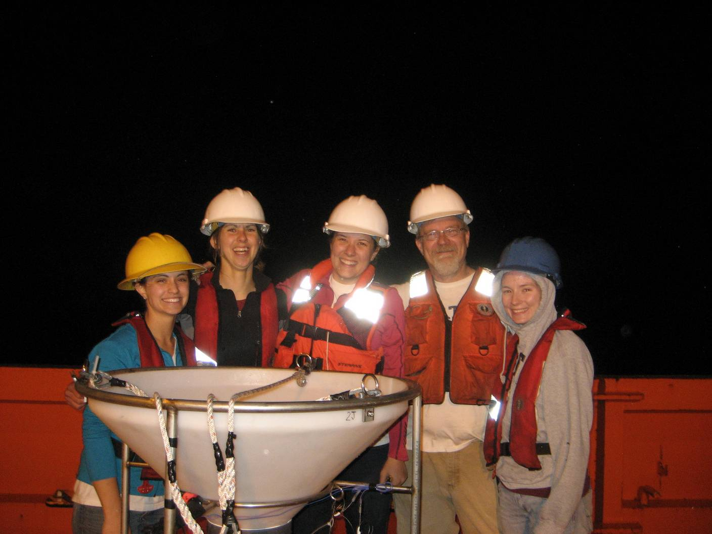 Keil lab group at sea with our incubation systems